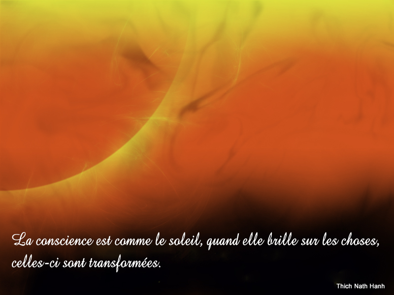 fond rouge et jaune,Thich Nath Hanh,quote